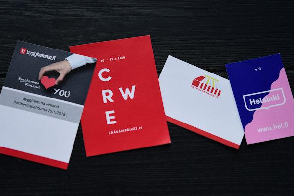 Paperiset painetut sisäkortit messutaskuihin