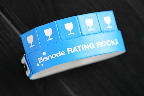 Vinyyliranneke logolla painettuna